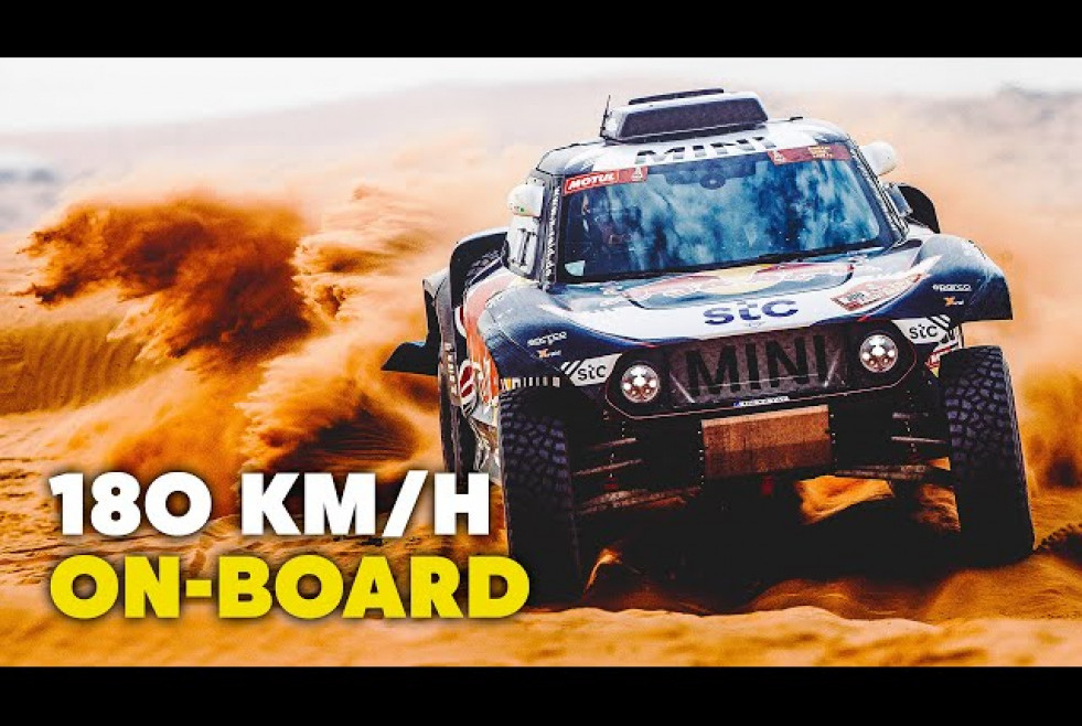 Dakar 2021: 180 km/h Ride On Board With Carlos Sainz