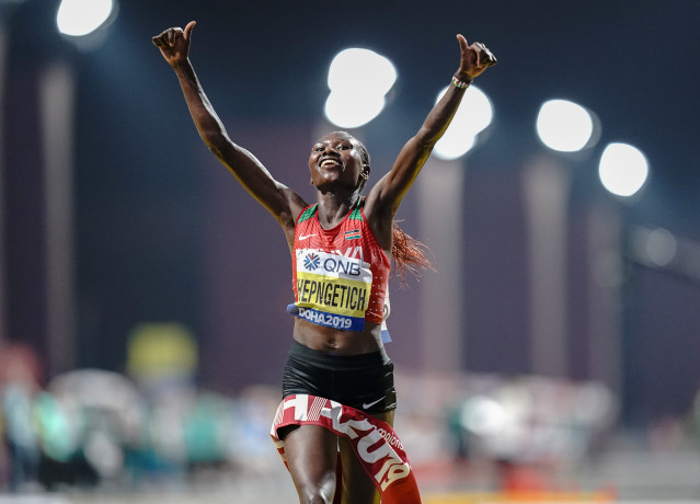 La keniana Ruth Chepngetich bate el récord del mundo de medio maratón