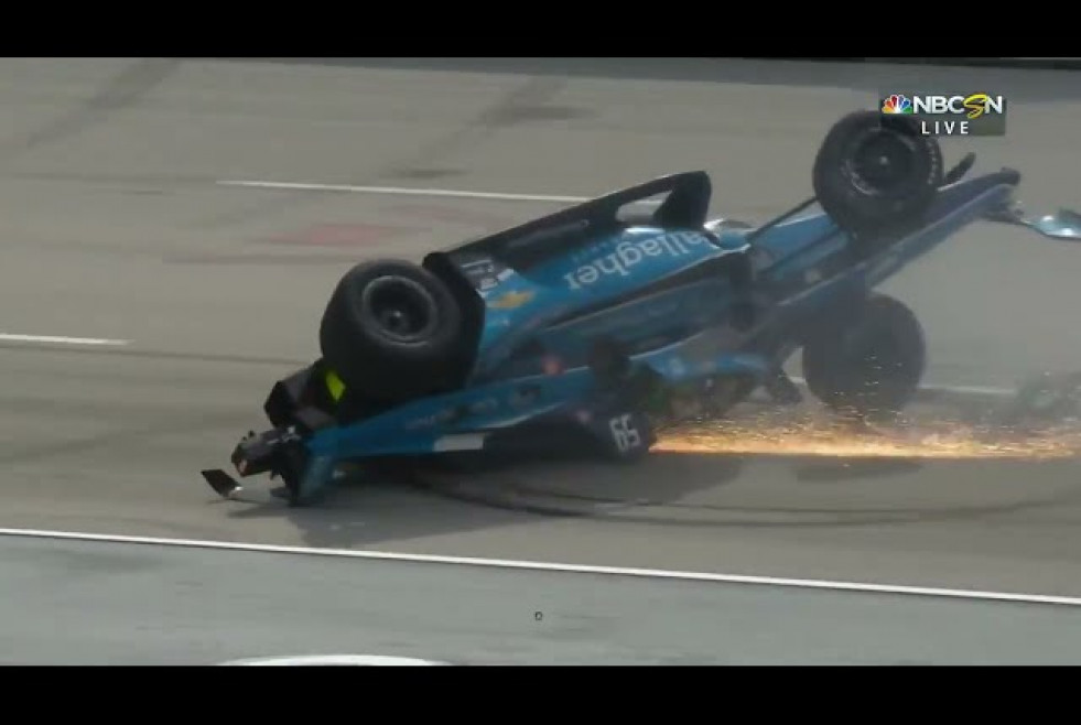 Big crash in Indycar Texas Motorspeedway start - Multiple cars out