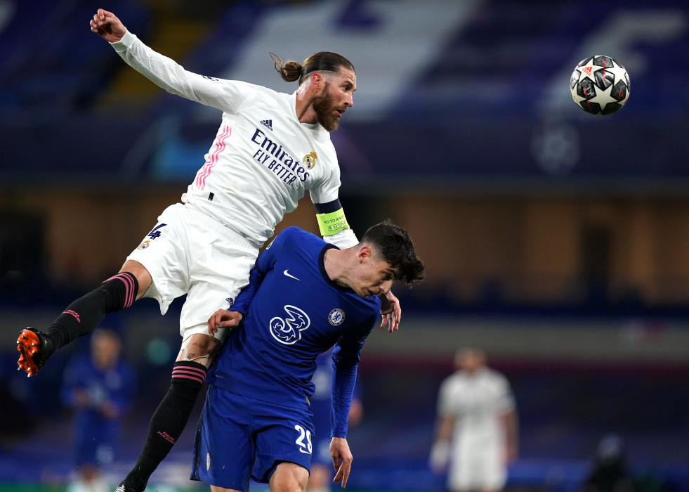 Sergio Ramos y Kai Havertz en el Chelsea-Real Madrid de Stamford Bridge