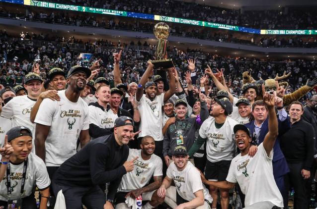 Los Bucks reinan en la NBA 50 años después con 50 puntos de Antetokounmpo